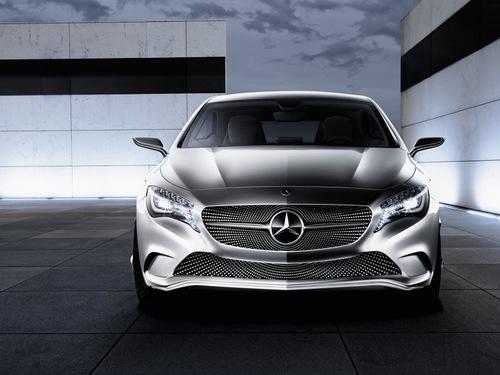 2011 Mercedes-Benz Concept A-Class 02.jpg