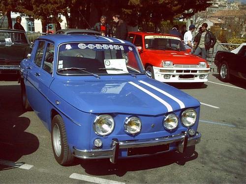 Renault 8 GORDINI.jpg