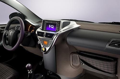 Toyota iQ 03.jpg