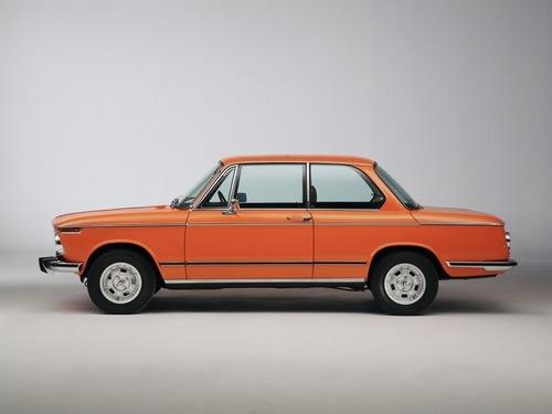 BMW-2002-tii-Reconstructed-Side-Studio-1280x960.jpg