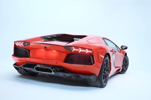 Lamborghini Aventador LP700-4a.jpeg