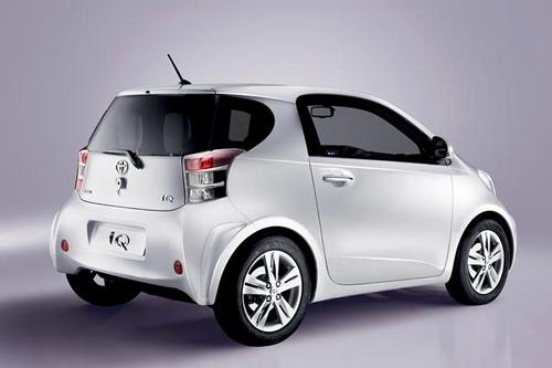 Toyota iQ 02.jpg