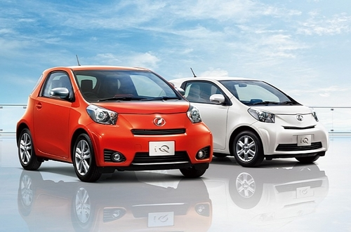 toyota-iq-130g-introduced-in-japan-medium_5.jpeg